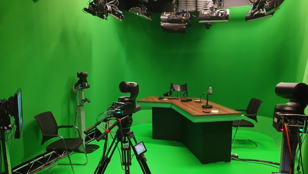 Mo-Sys transforms radio studio into virtual production studio
